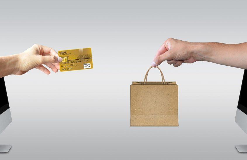 Aspecte juridice ale comerțului electronic în industria ușoară
